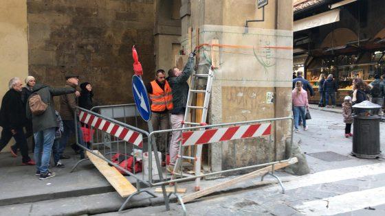 """Colonna danneggiata, Giorgetti: """"Area pedonale non avrebbe impedito presenza mezzi del trasporto merci"""""""