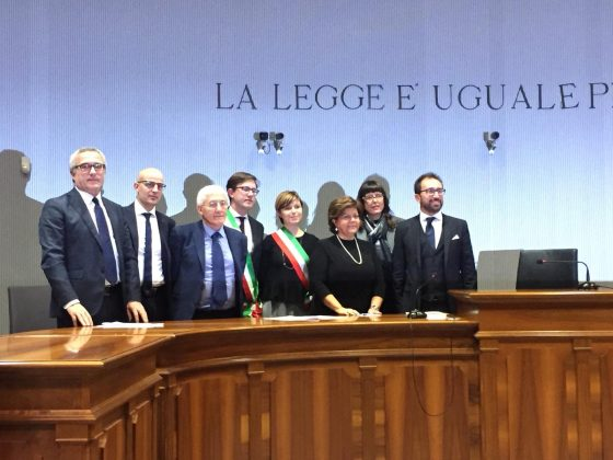 Bugli alla firma del protocollo sugli Uffici di prossimità