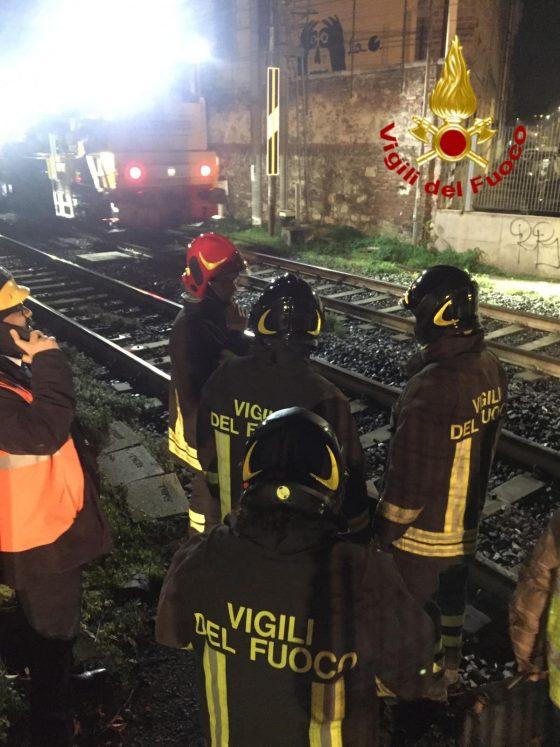 Treno contro piattaforma: si indaga per lesioni colpose