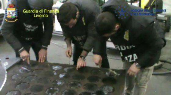 650 chili di cocaina scoperti al porto di Livorno in container caffé