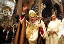 L'arcivescovo di Pisa, mons Benotto
