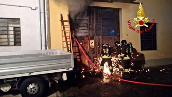 Capodanno, incendio in capannone ditta tessile