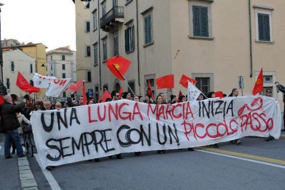 A Livorno corteo celebra 98 anni fondazione Pci
