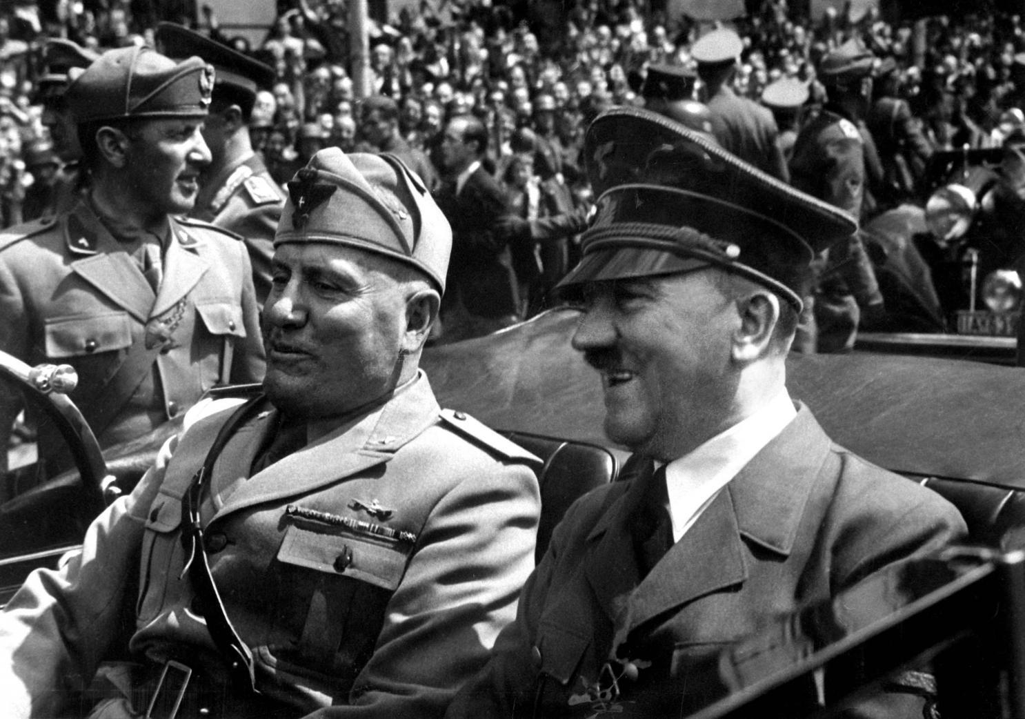 Mussolini Hitler