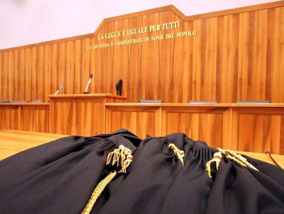 Firenze, tentò di arrestare marito amante: chiesti 2 anni per magistrato