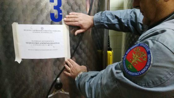 Vinci: olio non tracciato, 7.100 litri sequestrati