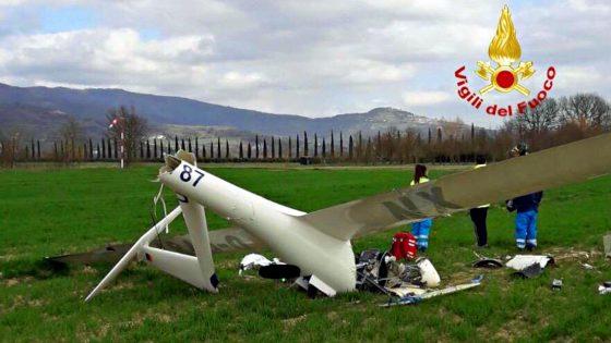 Aliante precipita durante il decollo, morto il pilota