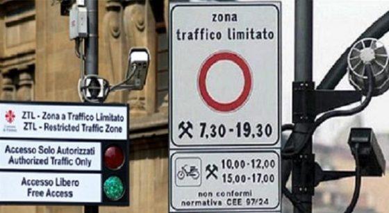 """Ztl Firenze: Giorgetti, """"Allo studio piano che punti anche allo scarico merci elettrico"""""""