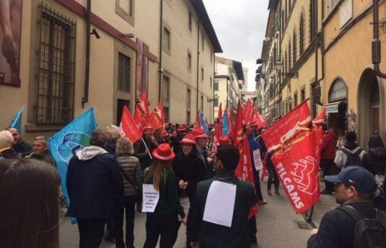 """Firenze, presidio lavoratori museali: """"Senza risposte sarà sciopero"""""""