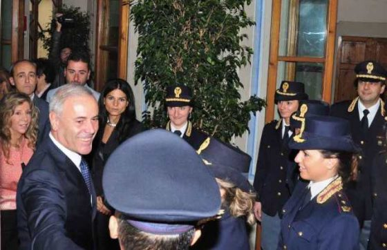 Ex Questore Firenze arrestato a Roma per truffa assicurazioni