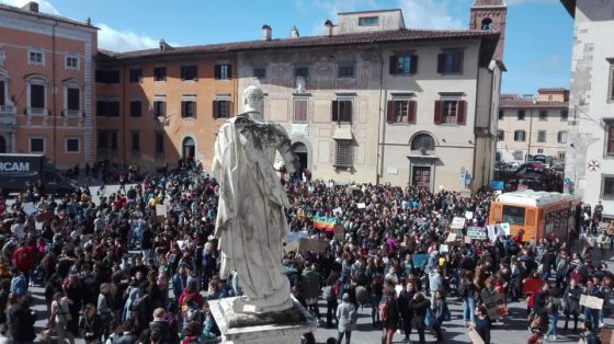 Fridays for future, in migliaia in piazza a Pisa