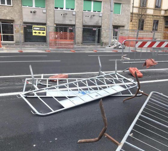 """Transenne: Torselli Fdi, """"chi le ha messe in sicurezza per il vento?"""""""