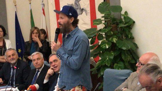Jovanotti a Viareggio: dopo i miei concerti spiagge più pulite