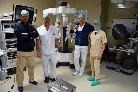 Chirurgia robotica: a Siena asportati in contemporanea 2 tumori
