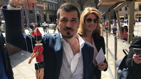 Elezioni Firenze: Forza Italia contro Nardella, in piazza Signoria con Pinocchio