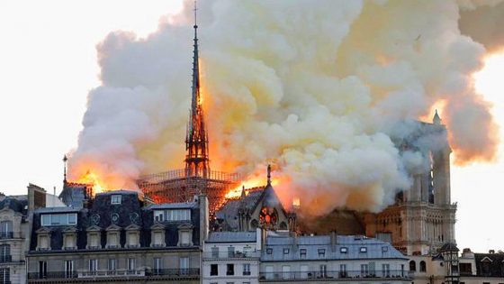 """Nardella: """"Da Firenze pronti a piano di aiuto per Notre Dame""""."""