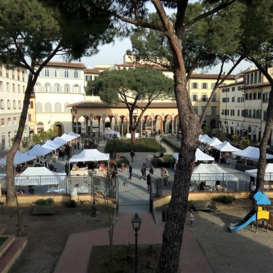 """CNA porta """"Artefacendo"""" in Piazza dei Ciompi"""