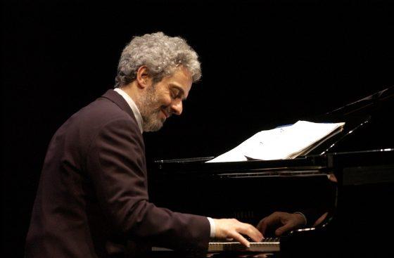 Nicola Piovani dirige l'Orchestra del Maggio Musicale Fiorentino