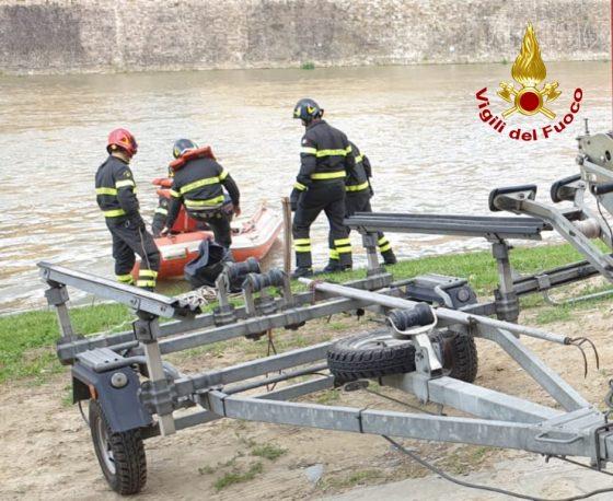 Ponte Vespucci: persona soccorsa dopo caduta in Arno