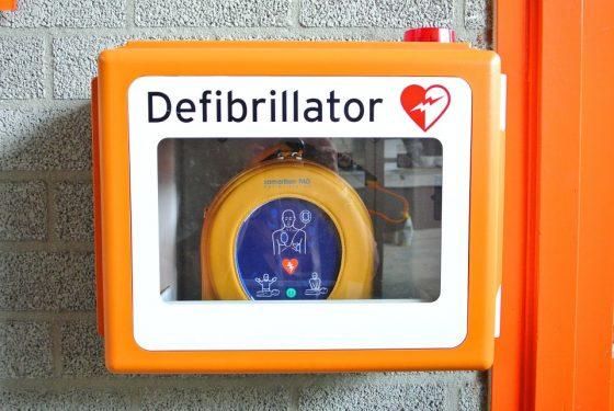 Scuola: 17 defibrillatori per istituti Firenze
