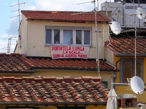 """Firenze: striscione ironico """"anti-Salvini"""" in zona Santa Croce"""