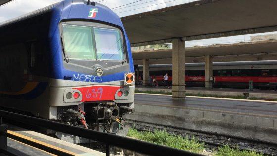 Prato, Covid: ragazza fatta scendere dal treno dopo due starnuti