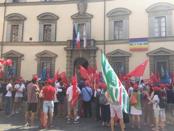 Sanità privata: 100 scioperanti davanti a Regione Toscana