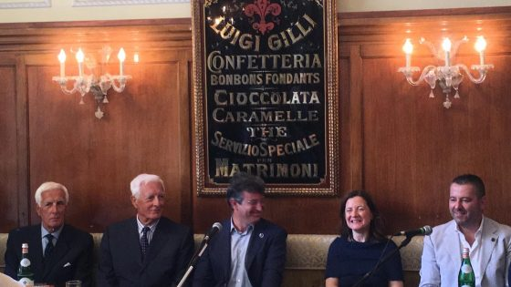Firenze celebra i 100 anni dell'iconico cocktail Negroni