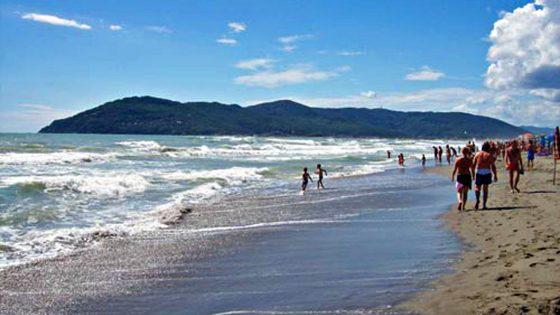 Via divieti di balneazione a Massa, Montignoso e Camaiore