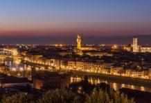 Firenze luce proiettata da Torre Arnolfo a Consolato Usa