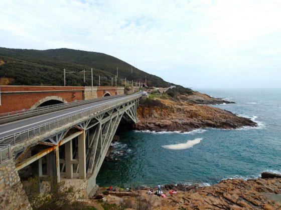 Calafuria: parti pericolanti del ponte, Comune chiede messa in sicurezza ad Anas