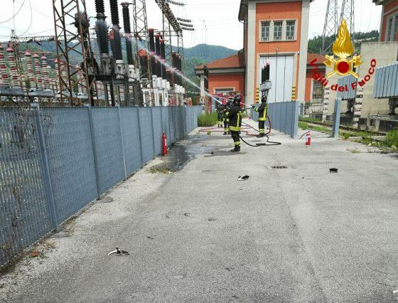 Vaiano, s'incendia centrale elettrica Rfi, incerte le cause