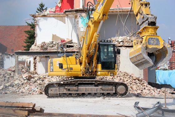 Legambiente: abusi edilizi Toscana, solo il 13% demoliti