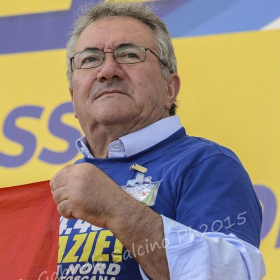 Donne in vetrina: sospeso consigliere Roberto Salvini