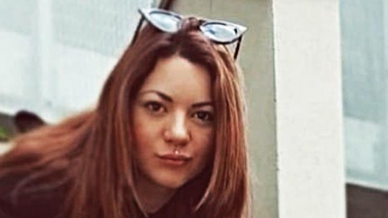 Erika: palloncini bianchi e rosa  per l'ultimo saluto a Livorno