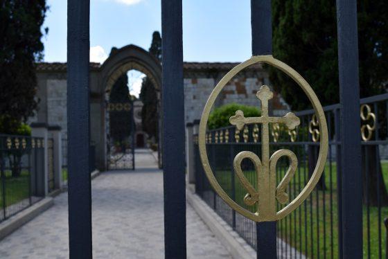 Prato: al cimitero di Galciana una  scultura per i 'bambini mai nati'