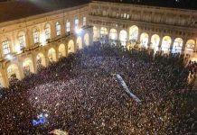La manifestazione delle 'sardine' di Bologna