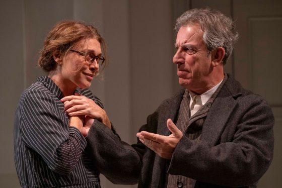 """Al Teatro della Pergola  va in scena la commedia  """"Ditegli sempre di sì"""""""