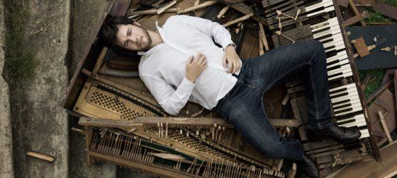 Alessandro Lanzoni piano solo al Dietro Le Quinte