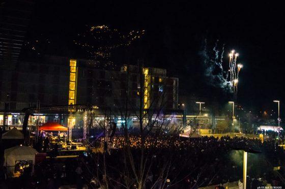 L'energia della Bandabardò scalda il Capodanno in Piazza della Resistenza