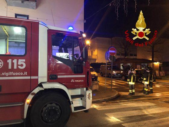 Incendio mansarda a Pistoia, morto uomo e soccorse due donne