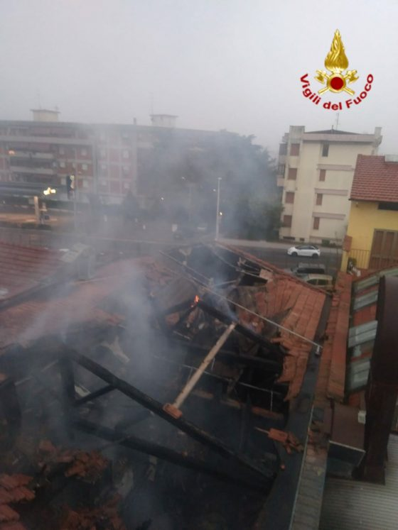 Prato: incendio in ristorante, chiusa strada