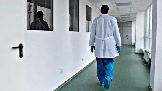 Medico guarisce dal Coronavirus e torna in corsia