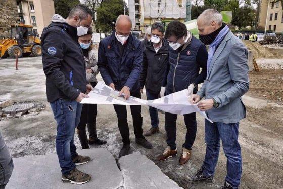 Firenze, terminata prima fase nuova piazza Isolotto