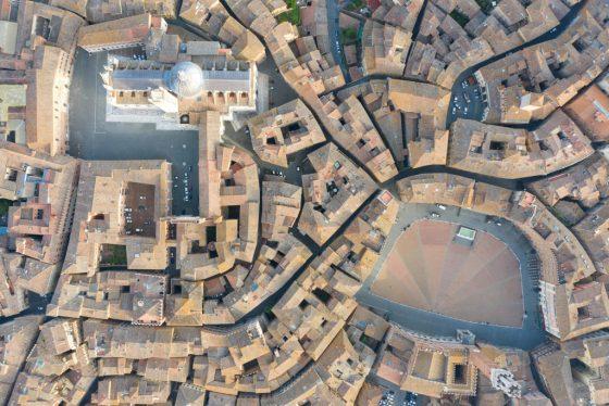 Siena, inchiesta su autoriciclaggio: sindaco rinuncia a difesa indagato