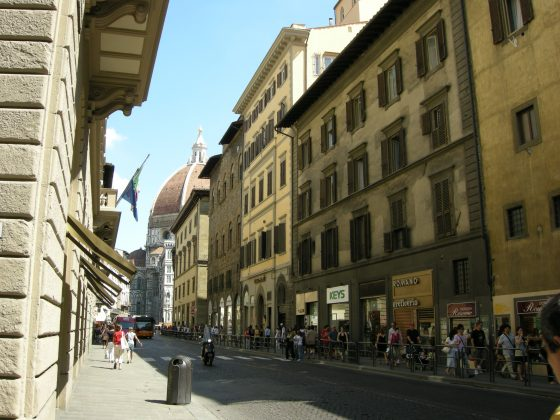 Firenze, via Cerretani diventa pedonale
