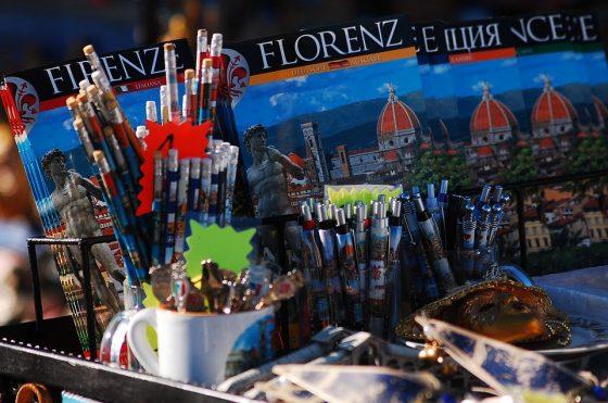 Souvenirs in attesa nella Firenze che aspetta di rinascere