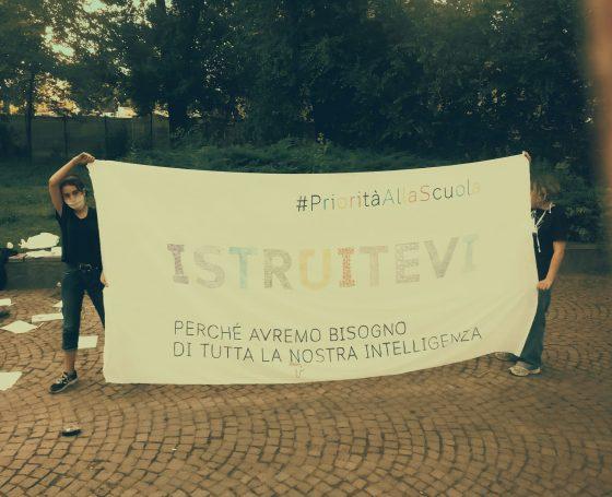 """In classe a settembre"", oggi manifestazioni anche in Toscana"