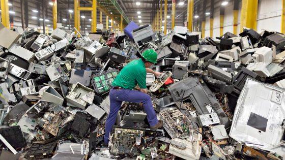 Toscana, aumenta la raccolta dei rifiuti tecnologici Raee