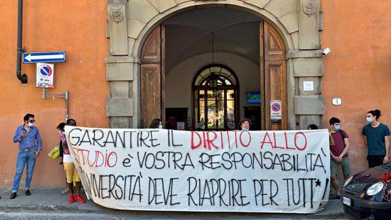 Università: occupata facoltà Lettere a Firenze, 'manca piano riapertura'